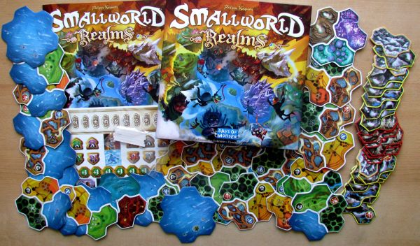 Small World: Realms - packaging