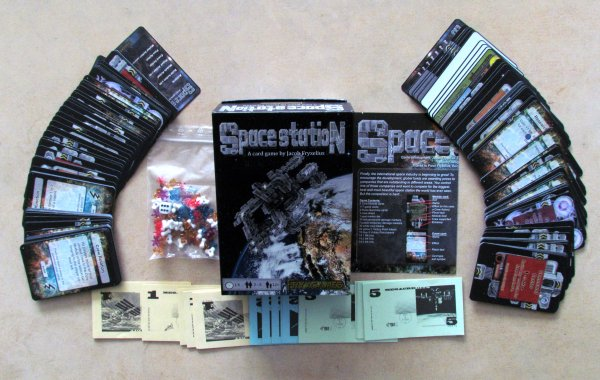Space Station - packaging