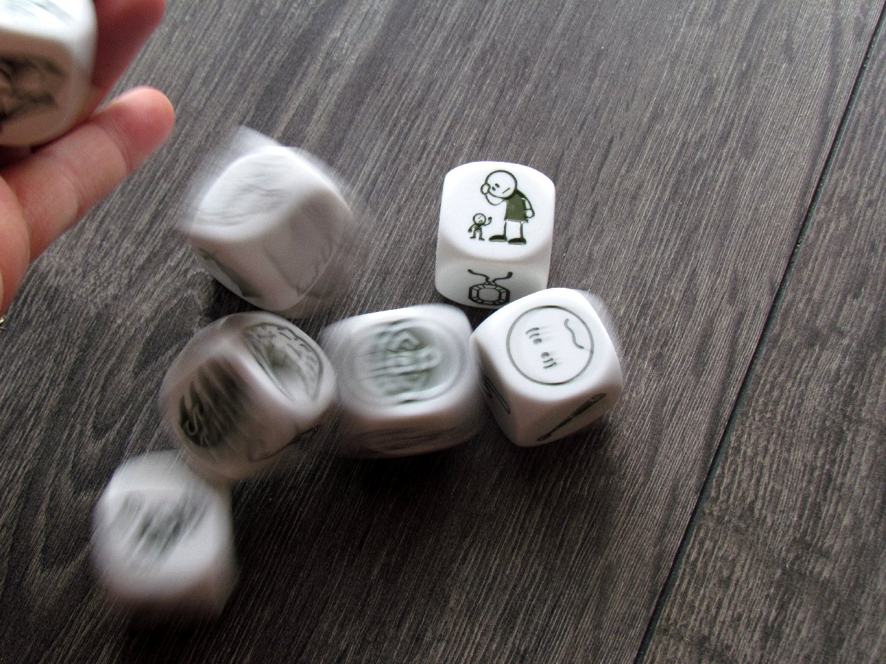 rorys-story-cubes-voyages-max-07
