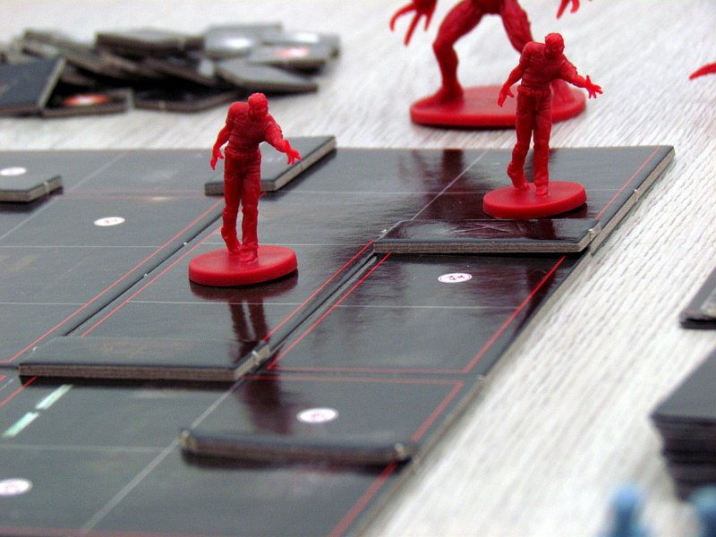 resident-evil-2-the-board-game-13